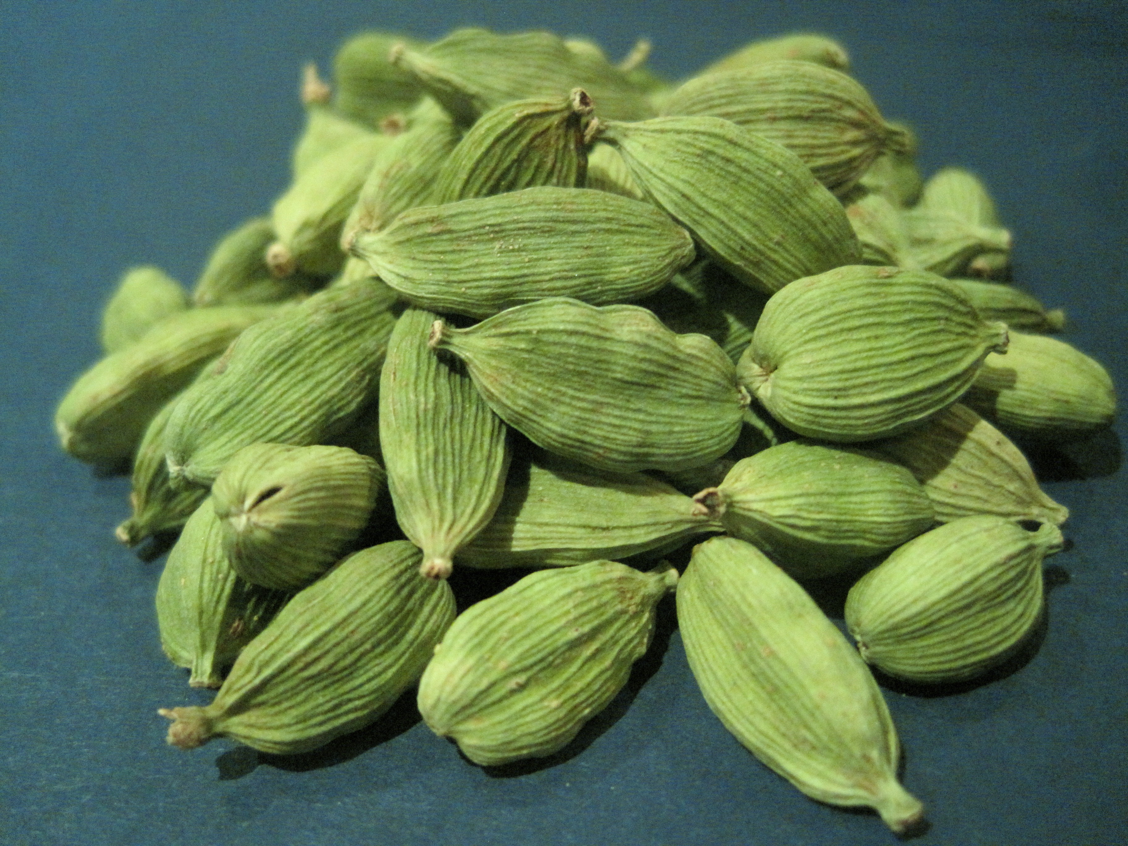 BMV Fragrances offers best quality cardamom oil including Reconstitution of Cardamom NNO Super, Cardamom NT 6000, and Cardamom Absolute that has benefits for health, skin & hair.