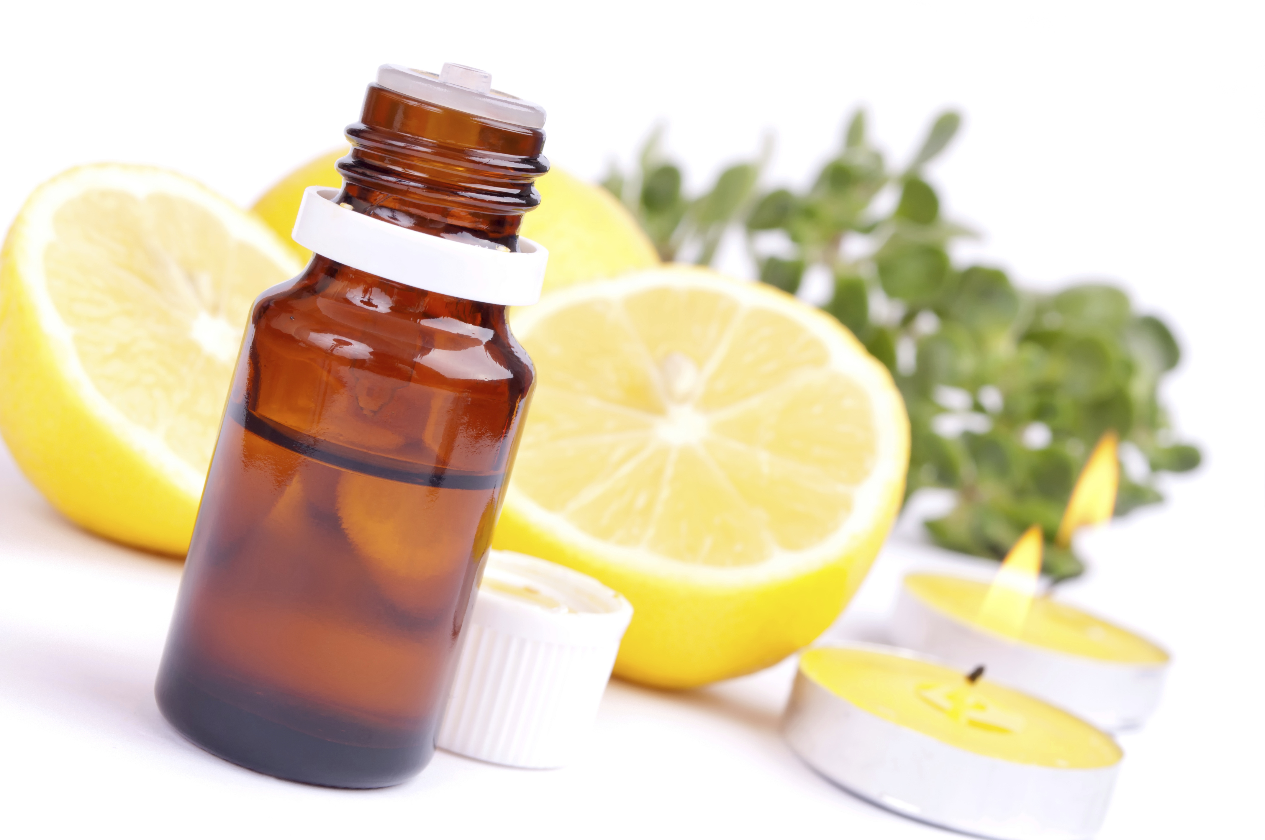 Best quality natural Lemon oil including Reconstitution Lemon Balm, Lemon Oil 10 X, Lemon Oil CP and other fragrance & perfume oils at the most discount rates by BMV Fragrances in UP, India.