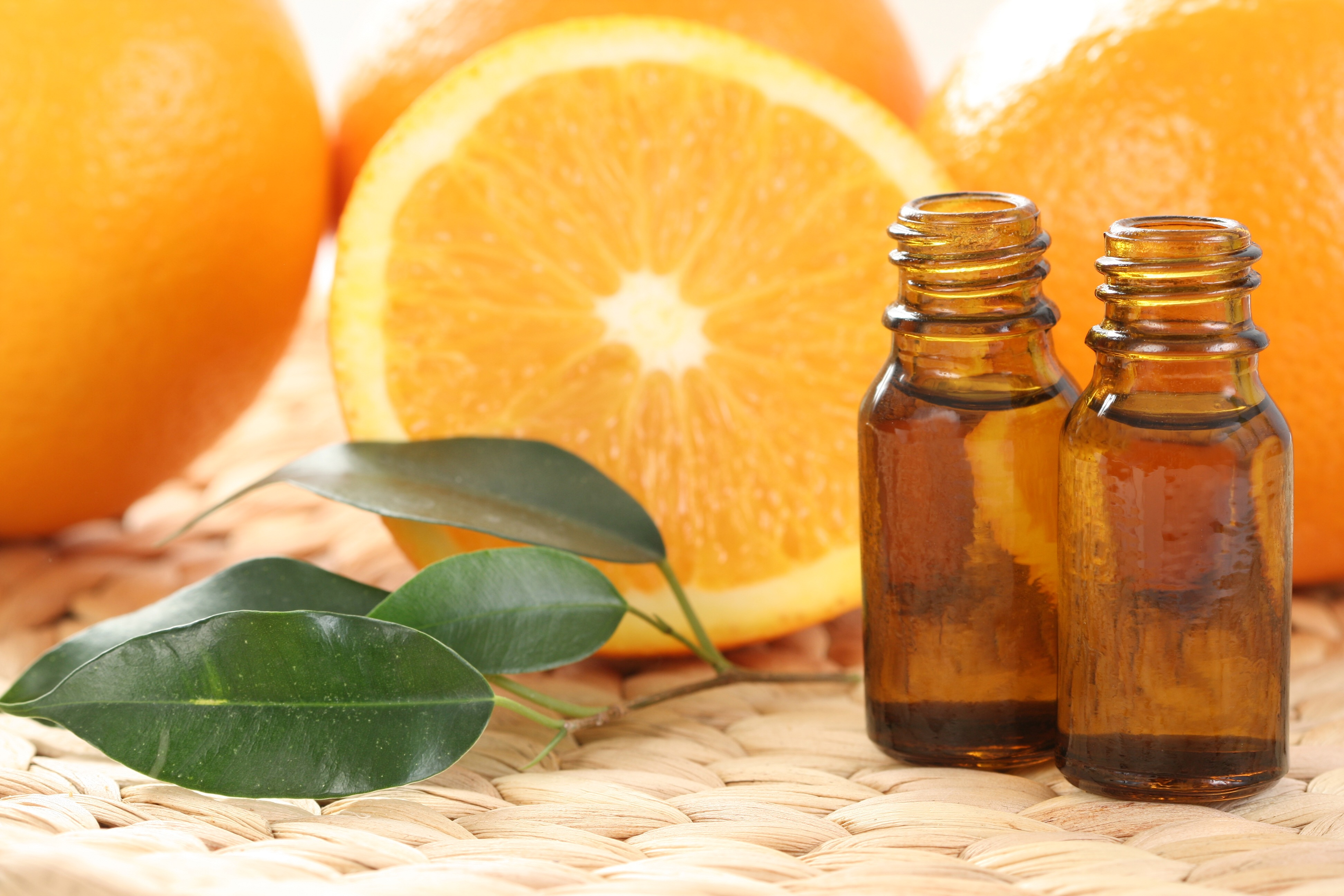 Best quality natural essential oils including Reconstitution Mandarin - Mandarin Orange, Mandarine, Mandarine Oil Yellow, and other fragrance & perfume oils at the most discount rates by BMV Fragrances in UP, India.